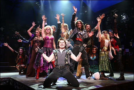 Espetáculo Rock of Ages na Broadway